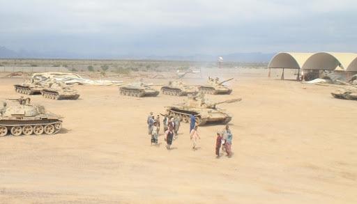 إصابة 5 جنود على الأقل في مواجهات بين اللواء الثاني عمالقة وقوات قاعدة العند