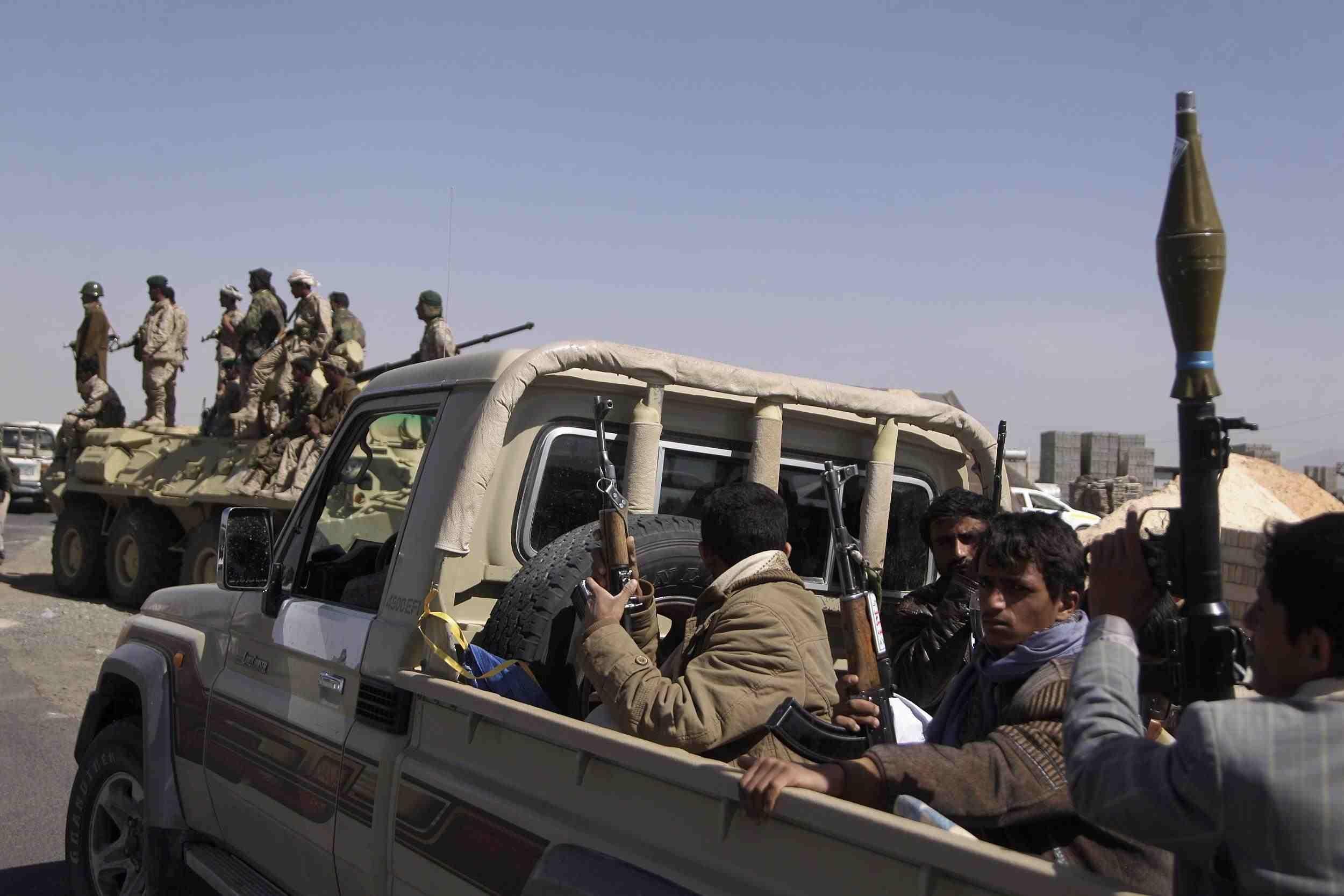 """أوقع 5 قتلى بينهم امرأة وإصابة .. """"حقوق الانسان"""" تدين هجوم الحوثيين على قرية في ذمار"""