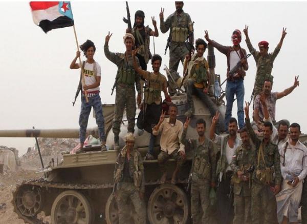 الانتقالي الجنوبي: لم ننسحب من المعسكرات والأماكن الحيوية في عدن