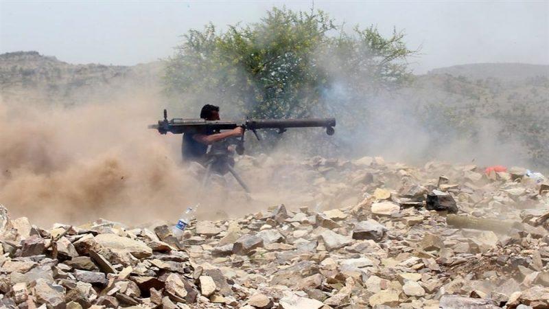 قوات الجيش تشن هجوما على مواقع مليشيا الحوثي في نهم بصنعاء