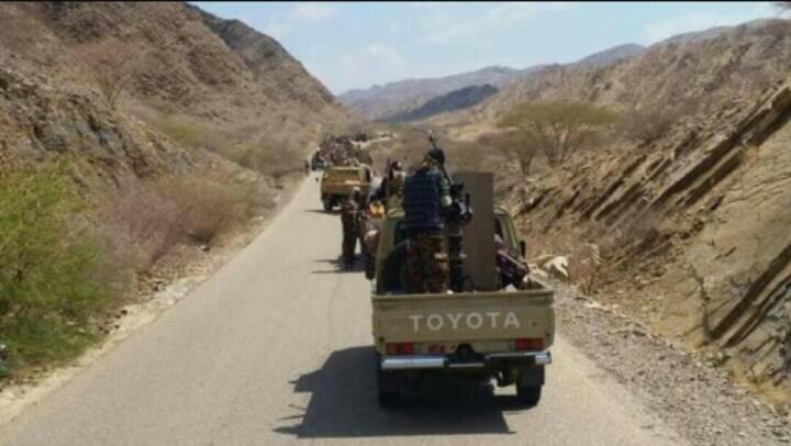 """أبين.. إصابة 4 جنود من قوات الجيش في هجوم بطائرة مسيرة قرب """"قرن الكلاسي"""""""