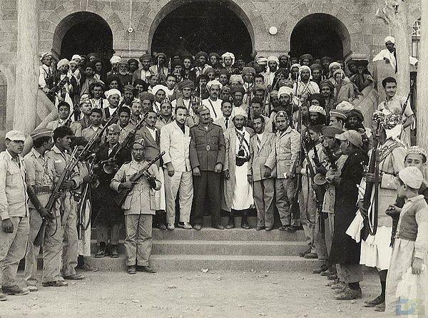 باحثون وصحافيون: 26 سبتمبر قفزت باليمنيين من حضيرة الكهنوت الى رحابة الجمهورية ودولة القانون