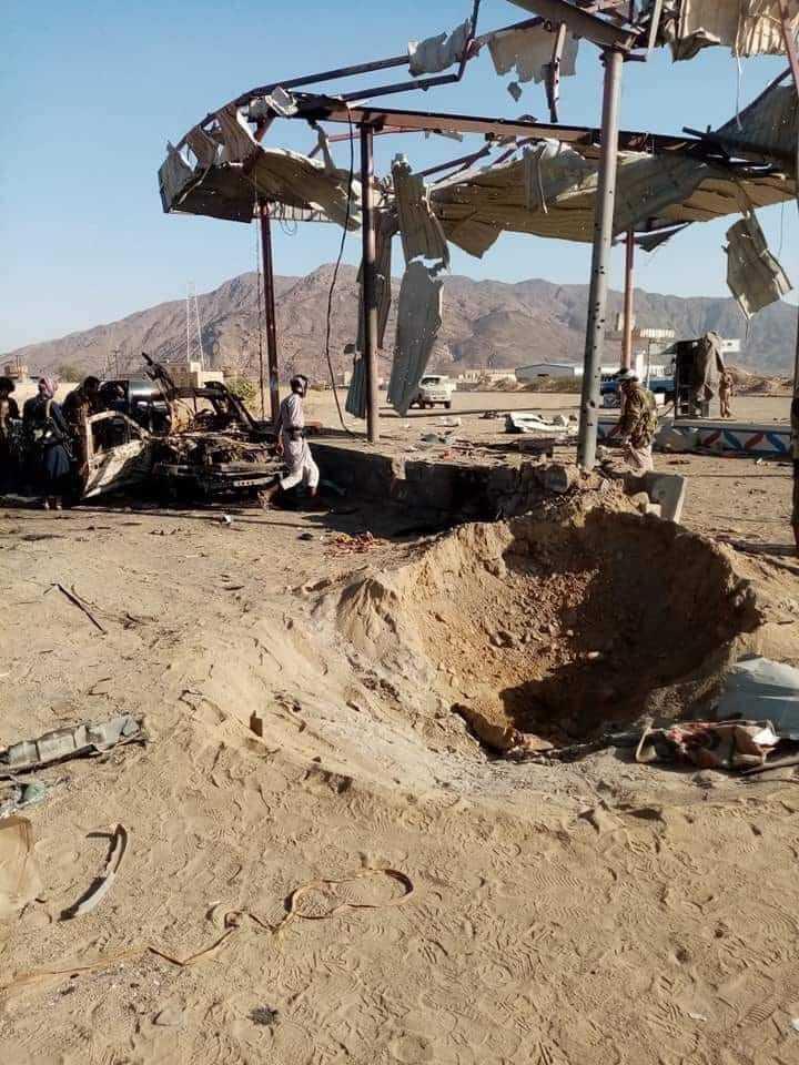 مقتل مدني على الأقل وإصابة آخرين في قصف صاروخي حوثي استهدف منازل المواطنين في الجوبة جنوبي مارب