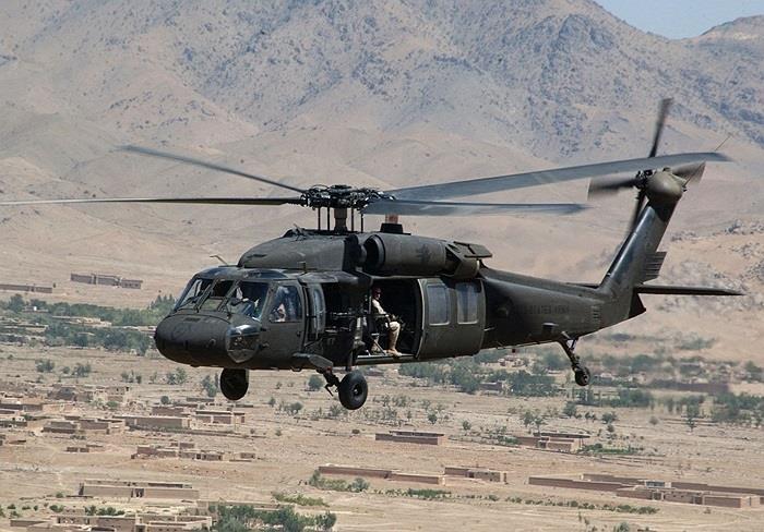 صحيفة: إدارة بايدن أبرمت صفقة مع السعودية لدعم أسطول طائرات الأباتشي والهليكوبتر بقيمة 500 مليون دولار