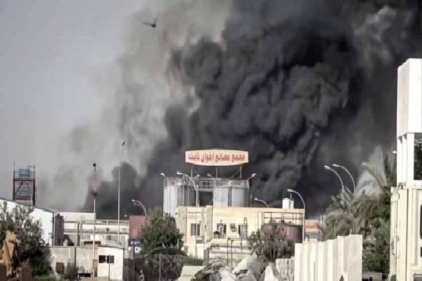 مجموعة تجارية تلّوح بنقل مصانعها خارج اليمن جراء تعرضها للقصف الحوثي المتواصل